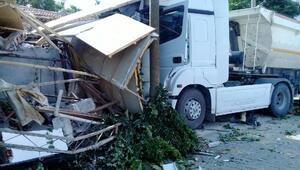Aliağadaki kazada 13 kişi yaralandı