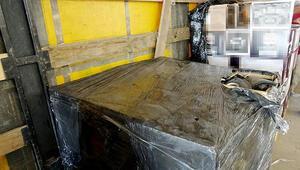 Bir milyon adet gümrük kaçağı malzeme ele geçirildi