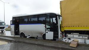 Balıkesirde işçi servisi kaza yaptı: 18 yaralı