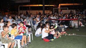 Mudanyada açık havada sinema keyfi başladı