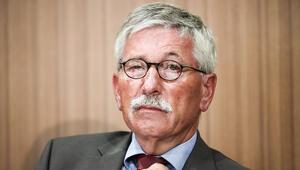 SPD, Sarrazin'in ırkçı görüşlerini kabul etse oy kaybetmezmiş