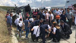 Son dakika...Kuzey Marmara Otoyolunda midibüs devrildi: Çok sayıda kişi yaralandı