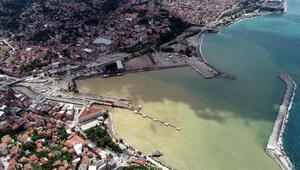 Zonguldakta deniz çamur rengini aldı
