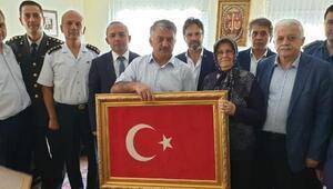 Balıkesirde, 15 Temmuz şehidinin mezarına ziyaret