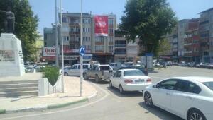 Yoldaki çalışma Mustafakemalpaşadaki trafiği kilitledi