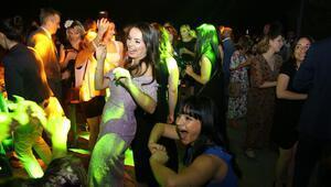 Parti gibi kutlama
