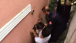 Kağıthanede koluna demir saplanan çocuk itfaiye ekiplerince kurtarıldı