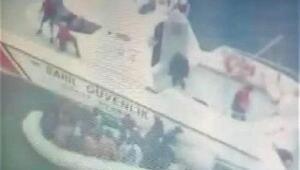 Ayvalıkta lastik botta 31kaçak göçmen yakalandı