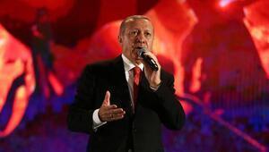 Cumhurbaşkanı Recep Tayyip Erdoğan, Atatürk Havalimanı'nda halka hitap etti