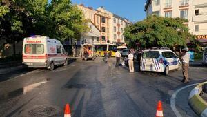 Sancaktepe de halk otobüsü servis minibüsüne çarpıp dükkana girdi: 1 ölü, 2 yaralı