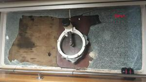 Mürettebatı kaçırılan gemide saldırının izleri