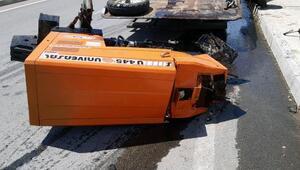 Traktör ile hafif ticari araç çarpıştı: 2si çocuk 9 yaralı