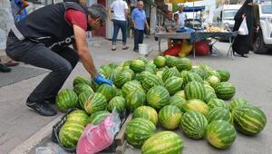Adanada şaşırtan görüntü Polis karpuz ve soğanların arasında aradı...