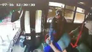 Otobüste düşürülen 2 bin lirayı şoföre verip, sahibine ulaşmasını sağladı