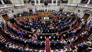 Yunan Meclisinde yemin töreni