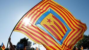 Katalanlardan İspanyada hükümet kurulması için referandum şartı