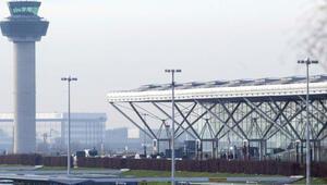 Dalaman uçağında olay çıkaran İngiliz'e 85 bin sterlin ve ömür boyu uçuş yasağı