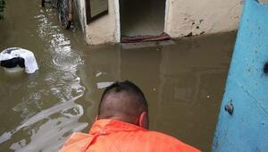 Ceyhanda şiddetli yağış olumsuz etkiledi
