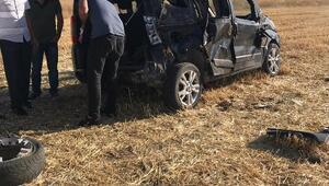 Kovancılarda hafif ticari araç takla attı: 2 yaralı