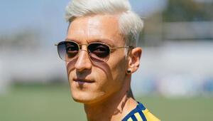 Mesut Özil: Saçlarımı boyattım çünkü...