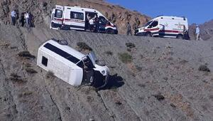 Elazığda yolcu minibüsü devrildi: 4 yaralı