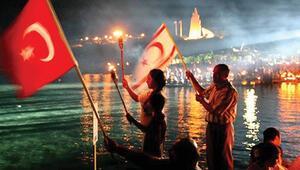 Kıbrıs'ta 45'inci yıla görkemli tören