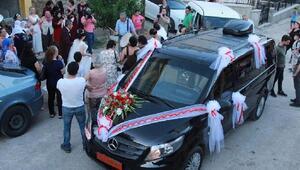 Tunceli Valisi Sonelin makam aracı, gelin arabası oldu