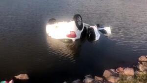 Piknikten dönerken otomobil gölete düştü