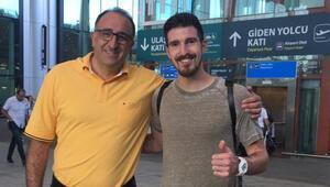 Fenerbahçenin yeni transferi İstanbula ayak bastı