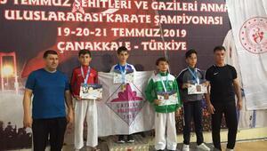 Mustafakemalpaşa Belediyesporlu karateciler Çanakkaleden madalya ile döndü