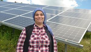 Devlet desteği aldı, tarlada güneş enerjisiyle üretmeye başladı Tüm ilçenin ihtiyacını gideriyor