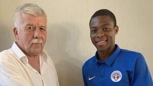 Menemenspor'da Onoka imzaladı | Transfer haberleri...