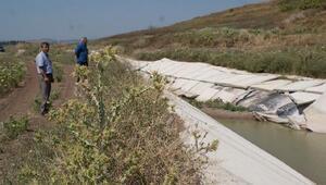 Sulama kanalında çatlak ve çökme meydana geldi
