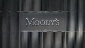 Moody's: İngilterede anlaşmasız ayrılık riski arttı