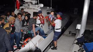 Dikilide 42 kaçak göçmen yakalandı