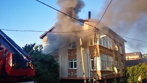 Ümraniyede çatısı yanan binada 3 saat sonra tekrar yangın çıktı