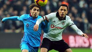 Adriano resmen gitti, Beşiktaş sol bek arıyor