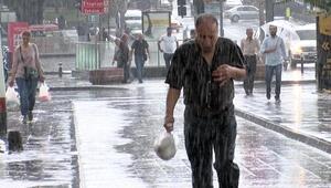 İstanbulda yağmur etkili oluyor