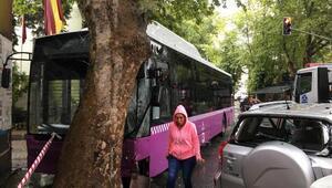 Sarıyerde belediye otobüsü önce cipe sonra da ağaca çarptı: 4 yaralı