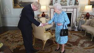 Son dakika... Boris Johnson Buckingham Sarayında başbakanlık görevini devraldı