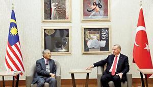 Erdoğan'dan Lozan mesajı: Yaptırım tehditleri Türkiye'yi vazgeçiremeyecek