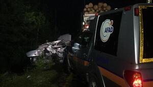 Kamyon ile otomobil çarpıştı: 2 ölü, 2 yaralı