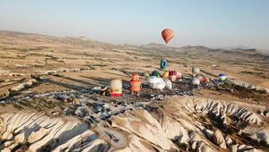 Türkiyede ilk kez düzenlendi... Binlerce turist oraya akın etti