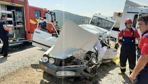 TIRla çarpışan otomobildeki çift yaşamını yitirdi