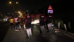 Kâğıthanede minibüs devrildi: 2si ağır 3 yaralı