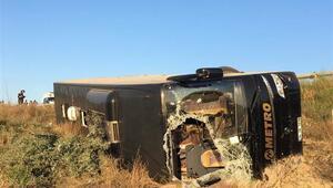Eskişehirde yolcu otobüsü şarampole devrildi: 13 yaralı