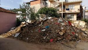 Mudanyada yıkılan metruk binaların molozları kaldırıldı