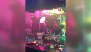 Gece kulübünde tavan arası çöktü: 2 ölü, 17 yaralı
