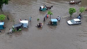 Hindistandaki aşırı yağışlarda 18 kişi hayatını kaybetti