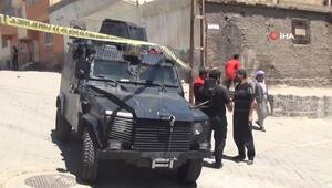 Şanlıurfa'da silahlı kavga: Baba ile 3 oğlu vuruldu